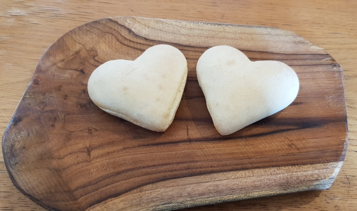 These heart shaped buns completed our Valentine brunch :)